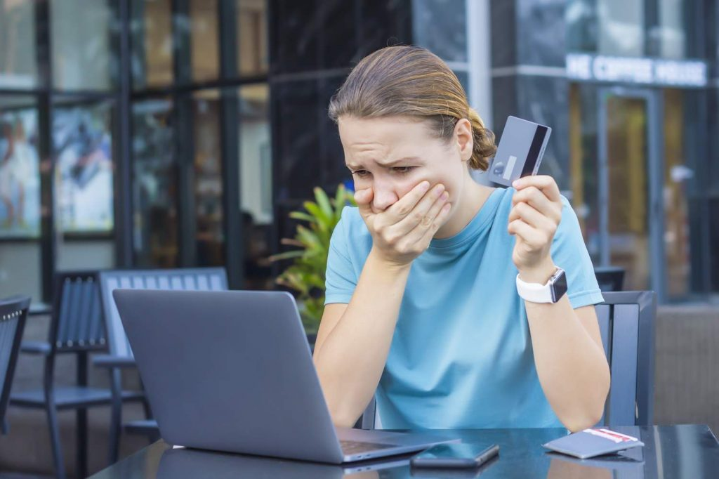 7 Problems Everyone has to Know With CREDIT CARD SCAM
